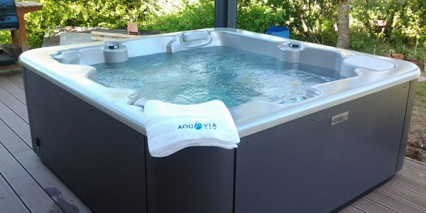 Aqualife 5 Hot Tub