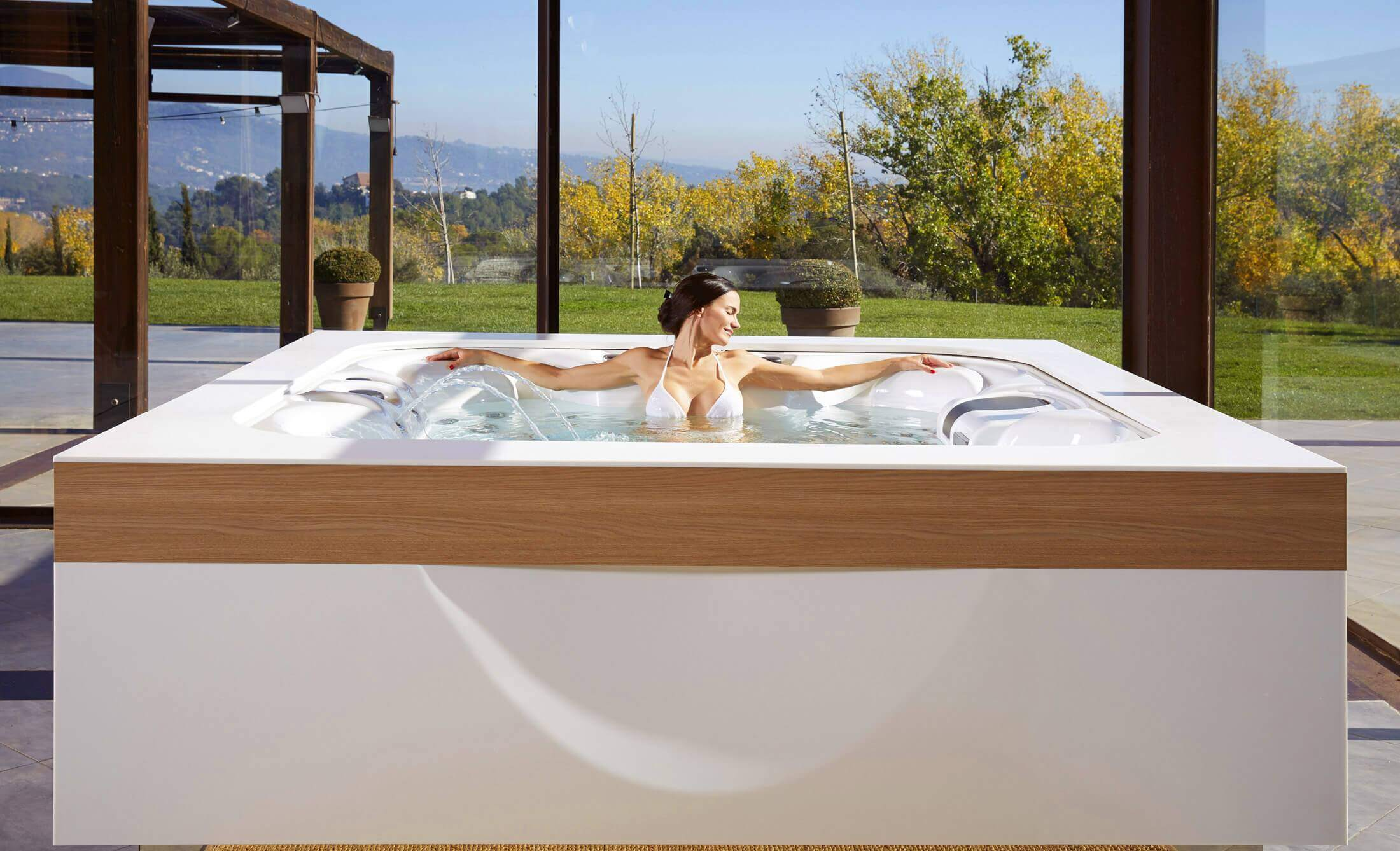 Buy Hot Tub >> Buy Hot Tubs And Hydromassage Tubs Hot Tub Manufacturer Aquavia Spa